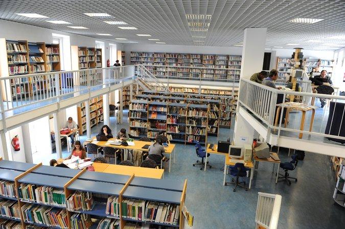 biblioteca municipal de Leiria